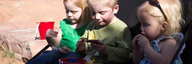 kids on the crashpad, Moab