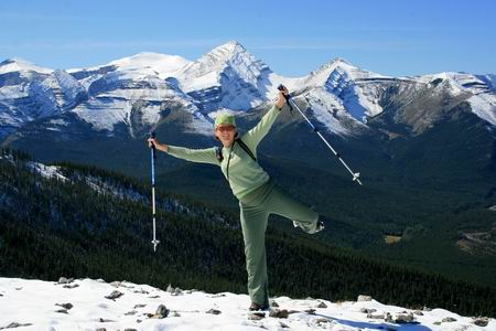 Hiking in early third trimester Expect[ing] to Thrive: Hiking, skiing, and international travel during pregnancy!