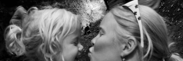 mommy kisses