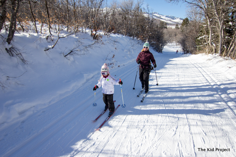 Family cross country skiing, ogden