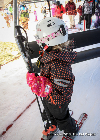 Skiing with the Stonz Mitts for kids