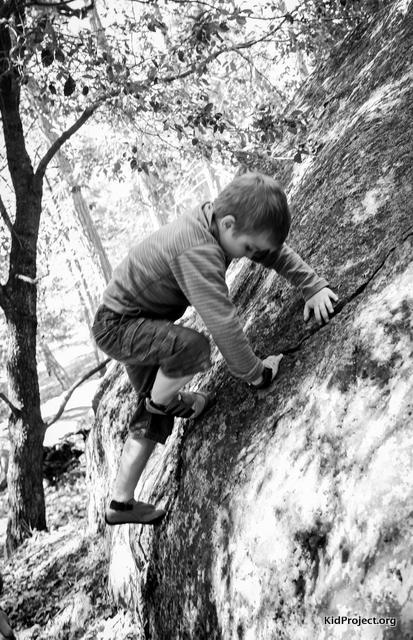 Bouldering with kids, Lower Yosemite fAlls