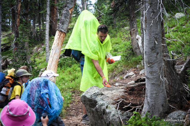 Trail bait of kid aid stations for hiking