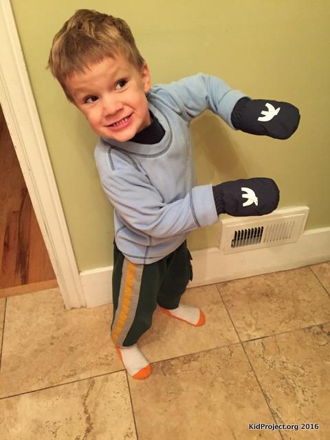 Cubbies sweatshirt, mitten combo