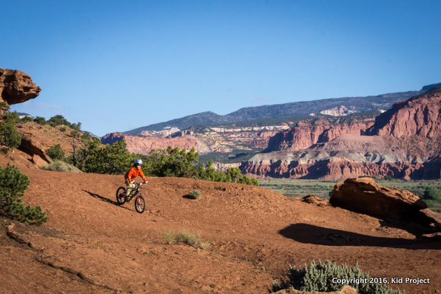 Mountain Biking Beas Flat Rd near Capitol Reef