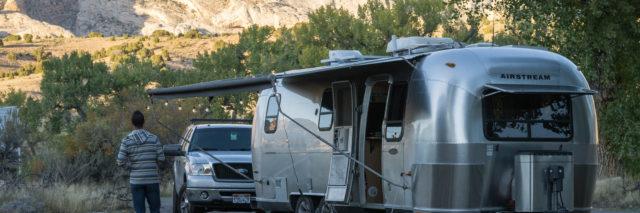 trailer solar travel